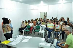 capacitaçãs de profissionais para vacinação - Foto Sesau